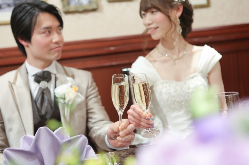 6ca50b192c296 2 和やかな雰囲気少人数結婚式ではゲスト一人ひとりにしっかり時間を取ることができアットホームな雰囲気のパーティーが行えます