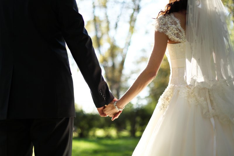 婚約 結婚 期間 新郎新婦