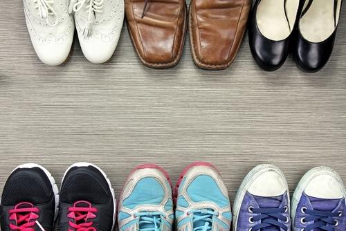 おしゃれワイドパンツを引き立てる「靴」選びのポイント紹介