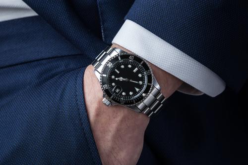 今コレ|モダンなブランド時計でカジュアルスタイルをワンランク上に