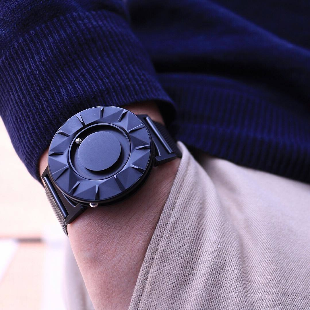 【Bradley Timepiece】触って時間を確認できる時計