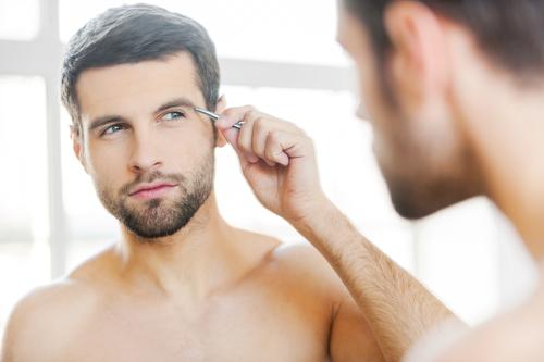 【眉毛の整え方】モテ眉を手に入れるアドバイス