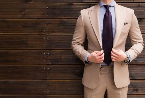 スタイリッシュなお気に入りメンズスーツを日々のお手入れで長く愛用
