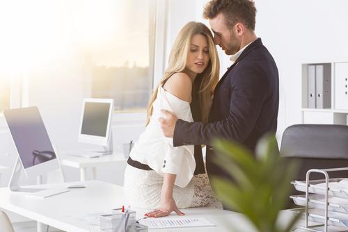 女性が不倫したくなる男の魅力とは?誘い方や夢中にさせる不倫テクも