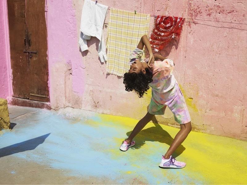伝統的なホーリー祭を体現したカラフルなコレクション【adidas Originals】
