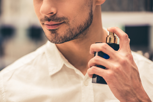 ビジネスシーンに最適なメンズ香水と香水のマナーを紹介