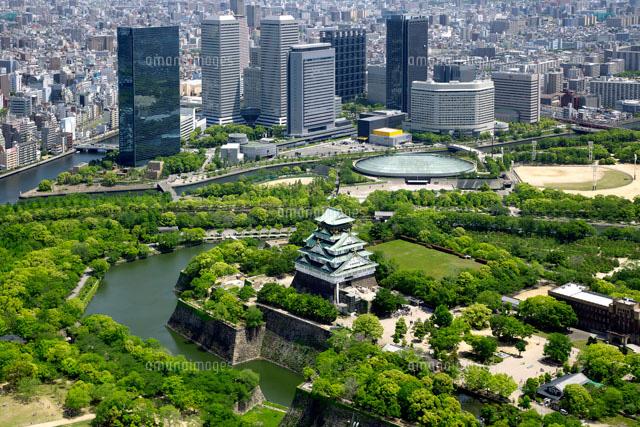 大阪城と大阪ビジネスパークの空撮