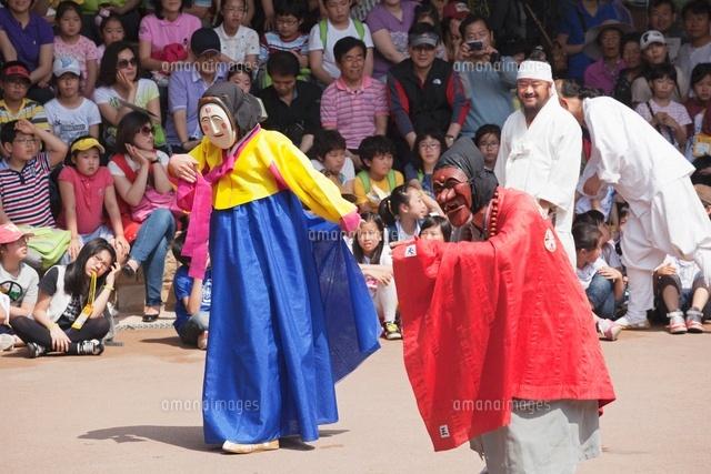 河回村の仮面劇[01072012063]  ...