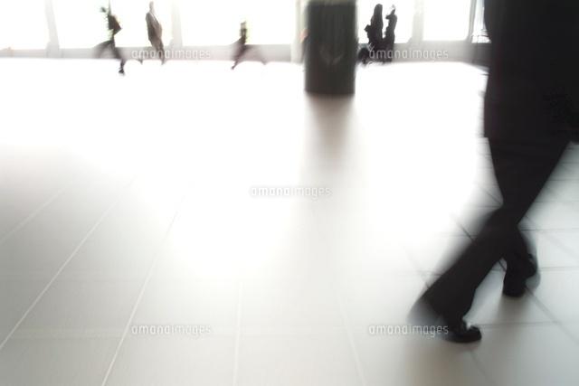 通行人 渋谷01283005150の写真素材イラスト素材アマナイメージズ