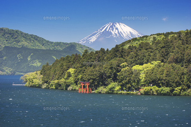 芦ノ湖と富士山