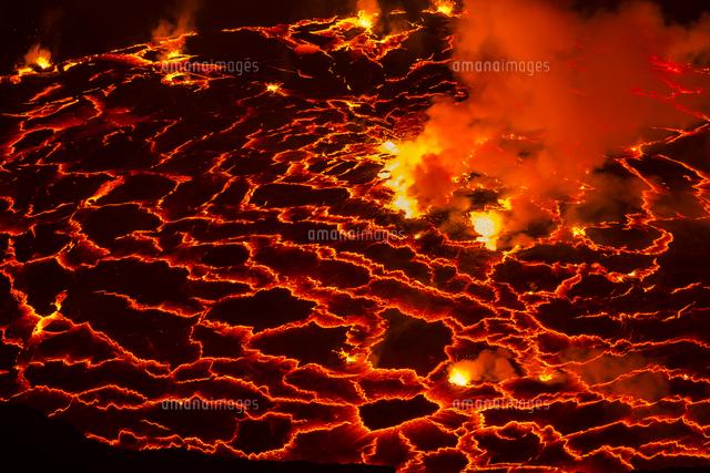 ニーラゴンゴ山噴火口の溶岩01543048735の写真素材イラスト素材