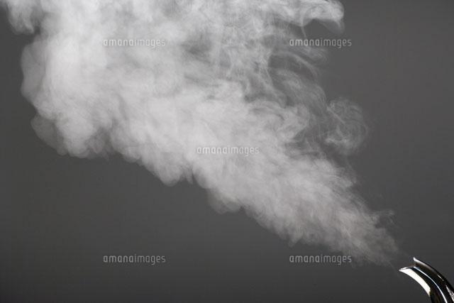 やかんの湯気01651098073の写真素材イラスト素材アマナイメージズ