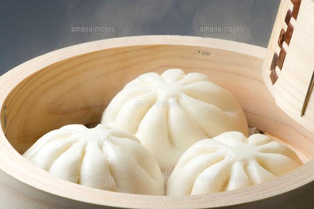 蒸し器に入った肉まん01651098121の写真素材イラスト素材アマナ
