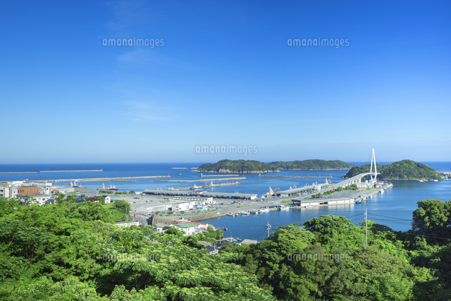 浜田港とマリン大橋