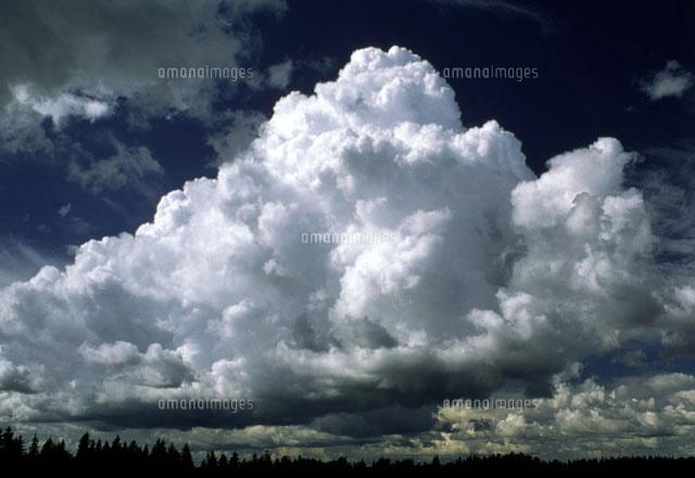 billowing bank of cumulus clouds 01809019342 写真素材 ストック
