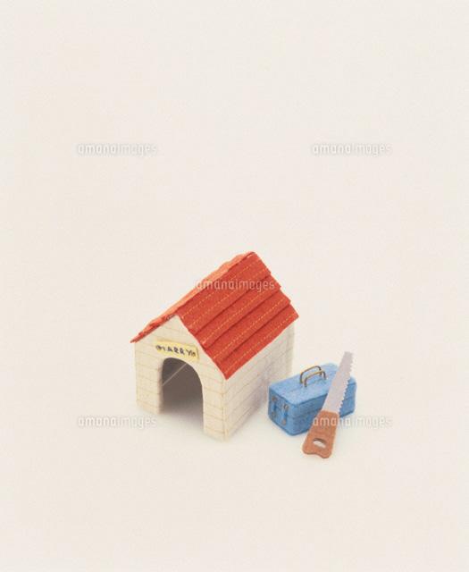 犬小屋と大工道具02119010022の写真素材イラスト素材アマナイメージズ