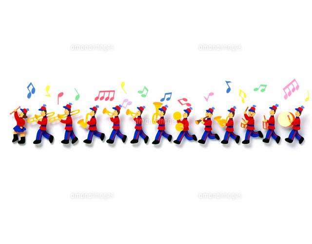 赤い服を着た音楽隊02237003058の写真素材イラスト素材アマナ
