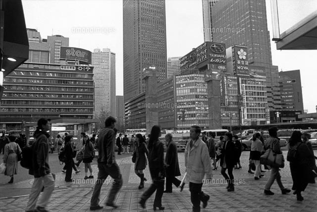 繁華街を行き交う人々 B/W 1997年 東京都