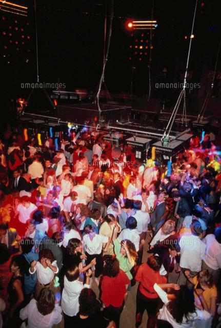 ディスコで踊る若者たち[0226501...