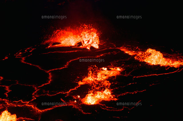 溶岩を噴出する溶岩湖02314004326の写真素材イラスト素材アマナ