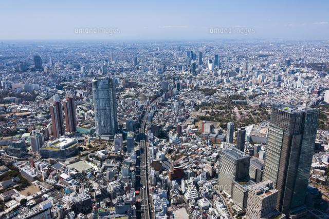 東京ミッドタウンと六本木ヒルズ 空撮02328001903の写真素材イラスト