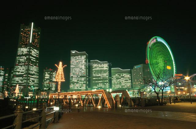 ランドマークタワーとクイーンズスクエアと横浜コスモワールド