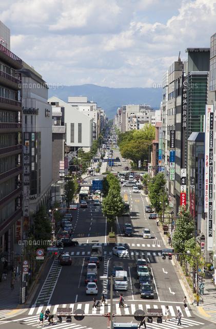 京都駅から望む烏丸通り[0243300...