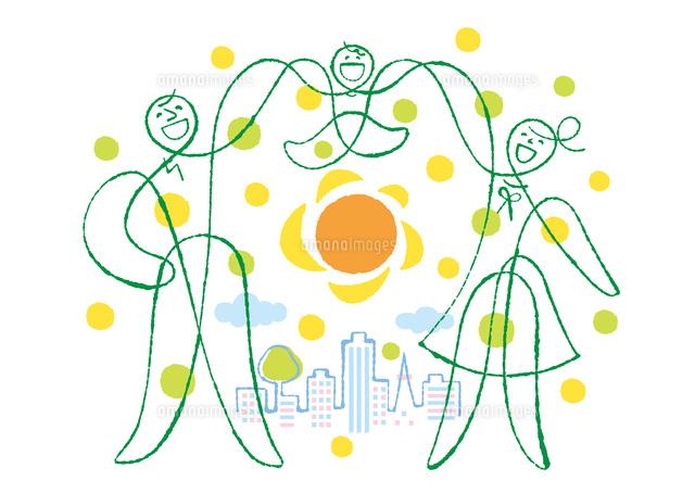 手をつないだ家族と街と太陽02438000249の写真素材イラスト素材