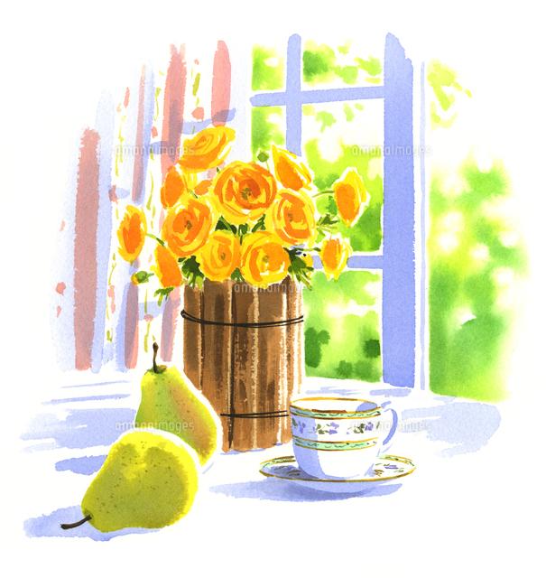 黄色い花が入った花瓶と西洋ナシとカップ02463001171の写真素材