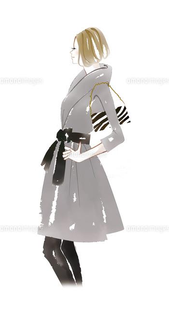 腰に手を当てポーズを取る女性02463001463の写真素材イラスト素材