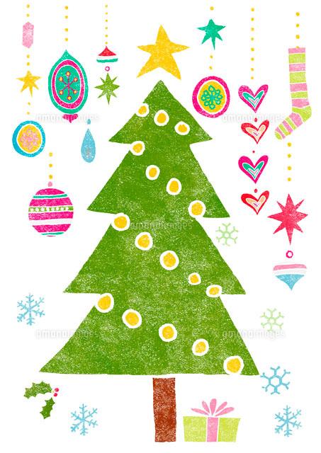 オーナメントとクリスマスツリー の写真素材 イラスト素材 アマナイメージズ