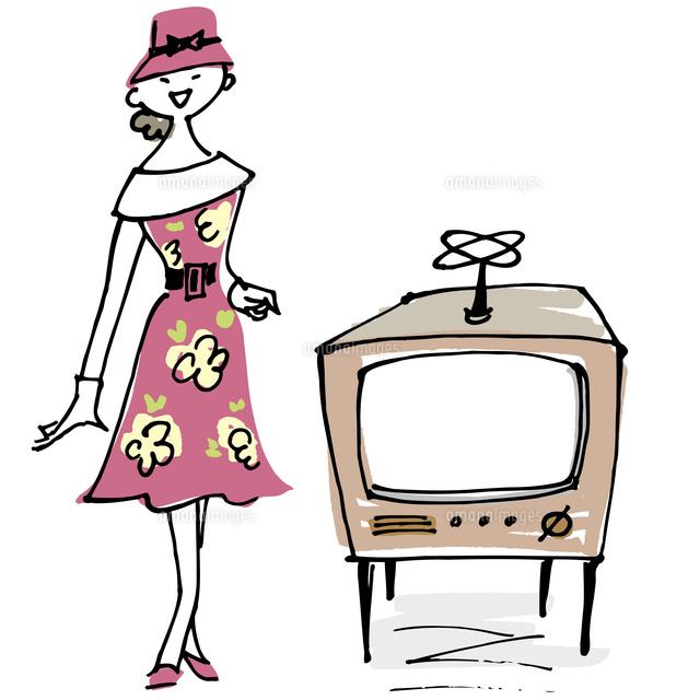 レトロテレビと女性02514000413の写真素材イラスト素材アマナ