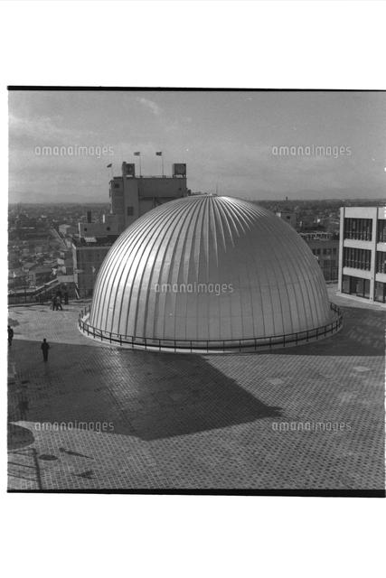 東急文化会館屋上の五島プラネタリウムのドーム