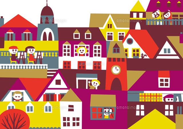 ヨーロッパ風の街並み 家々の窓や屋根や人々 秋02837000356の写真素材