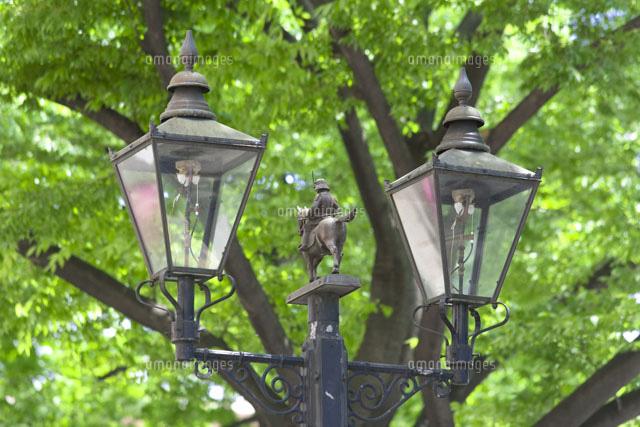 仙台市の青葉通りのガス灯20005006140の写真素材イラスト素材