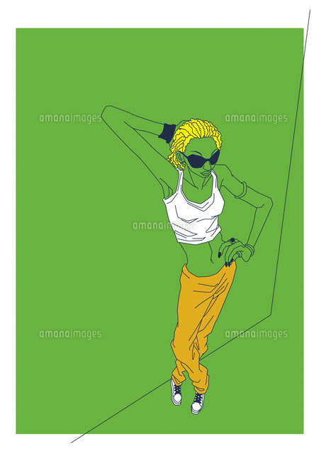 おしゃれでクールなストリート系の女性20037001830の写真素材
