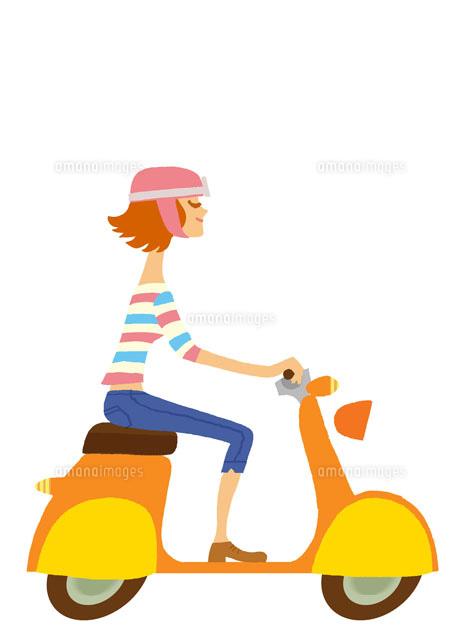 ヘルメットをかぶりバイクに乗る女性20037001924の写真素材イラスト