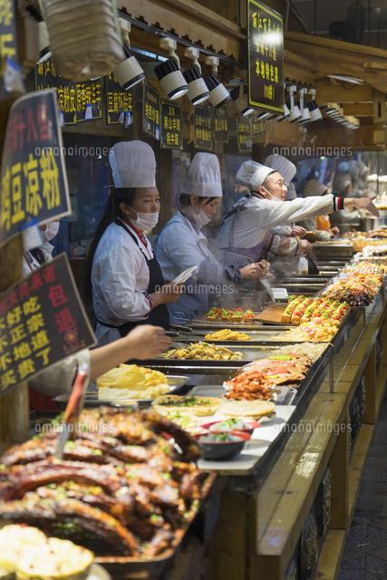 chefs in food centre lijiang unesco world heritage site yunnan