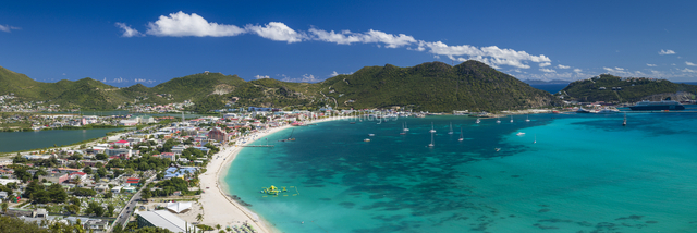Netherlands Antilles, Sint Maarten, Philipsburg, elevated town and beach view from Fort Hill
