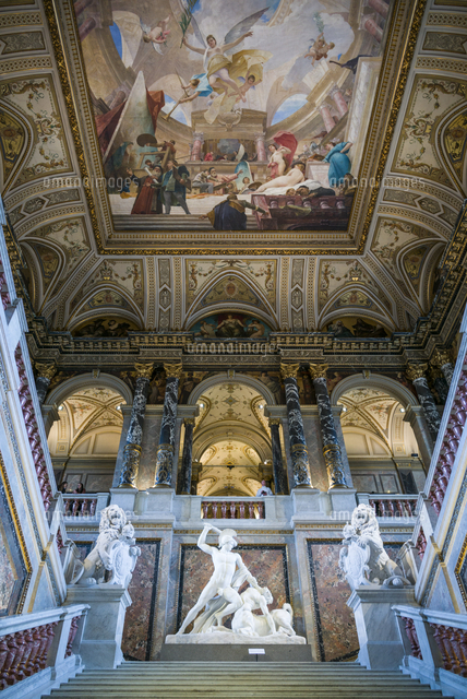 Austria, Vienna, Kunsthistoriches Museum, Art History Museum, interior entranceway