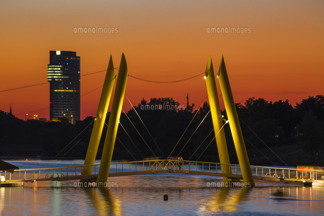 Austria, Vienna, Donau City, Ponte Cagrana Pontoon bridge over the New Danube River