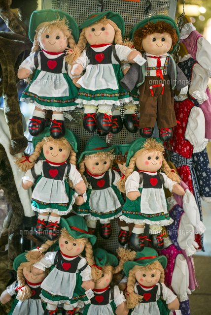Austria, Tyrol,  Innsbruck, souvenir dolls in traditional Austrian clothes