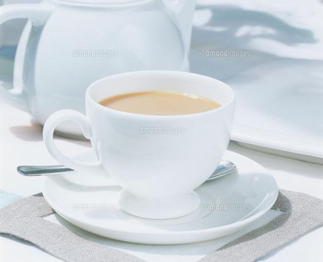 ミルクティー21001000125の写真素材イラスト素材アマナイメージズ