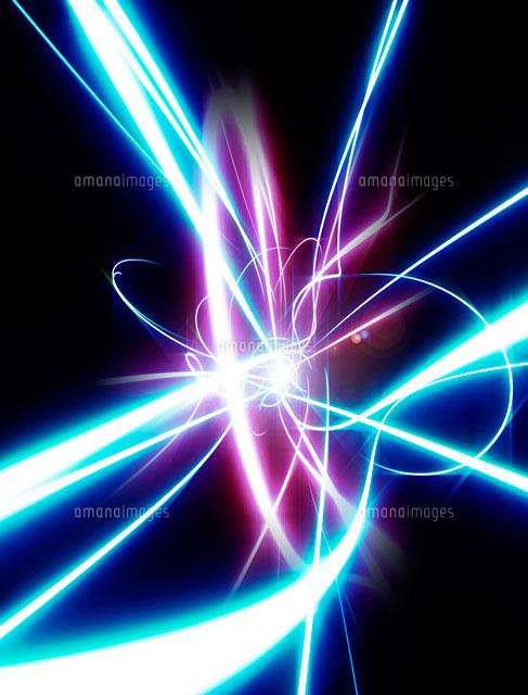 交錯する光のイメージ[22323001630]の写真素材・イラスト素材 アマナ ...