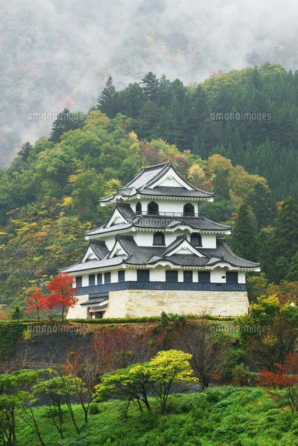 紅葉の藤橋城(西美濃プラネタリウム),