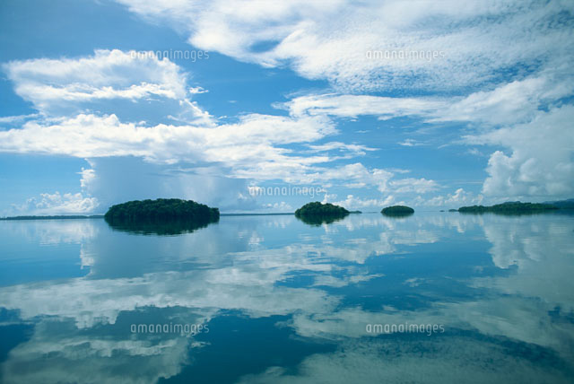 水面に映る空[22451012251]| 写...