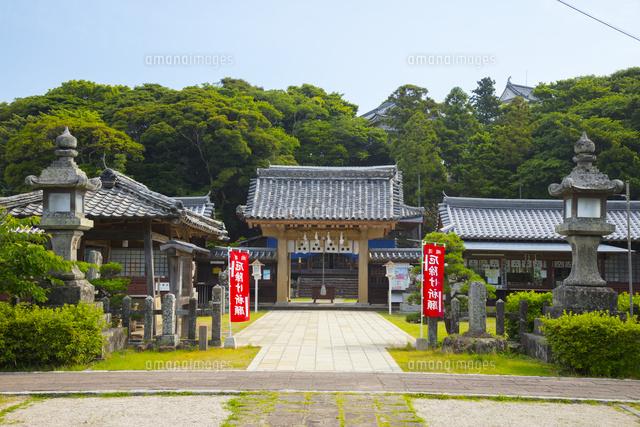 平戸城本丸跡に鎮座する亀岡神社...