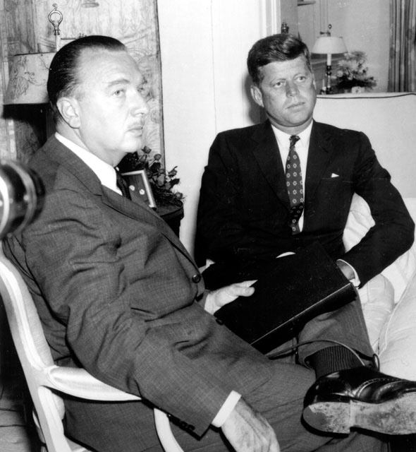 ジョン・F・ケネディとウォルタ...