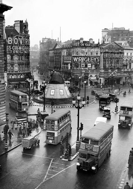 ロンドン(1939年)[23012000086]の写真素材・イラスト素材|アマナ ...