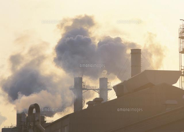 公害 川崎市の工場の煙突[253000...